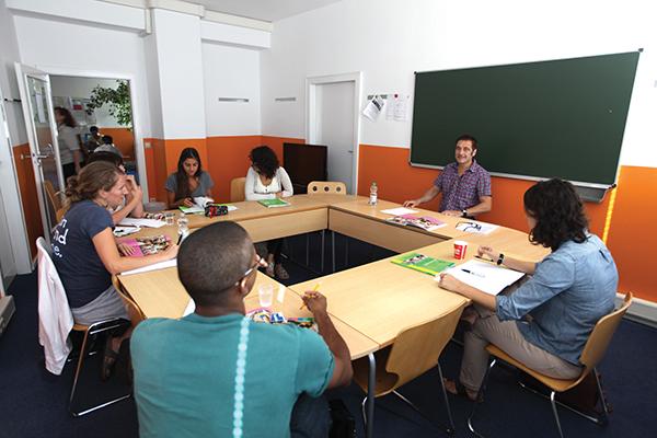 Обучение в немецкой школе Alpadia Language Schools (ESL)